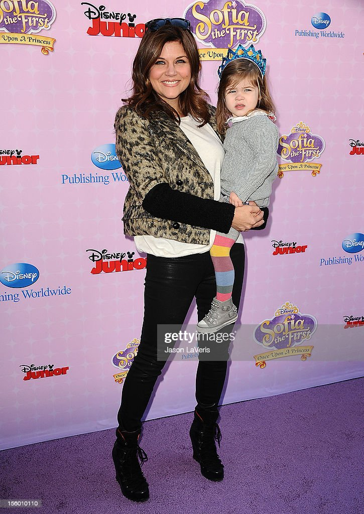 Actress <a gi-track='captionPersonalityLinkClicked' href=/galleries/search?phrase=Tiffani+Thiessen&family=editorial&specificpeople=221649 ng-click='$event.stopPropagation()'>Tiffani Thiessen</a> and daughter Harper Renn Smith attend the premiere of 'Sofia The First: Once Upon a Princess' at Walt Disney Studios on November 10, 2012 in Burbank, California.