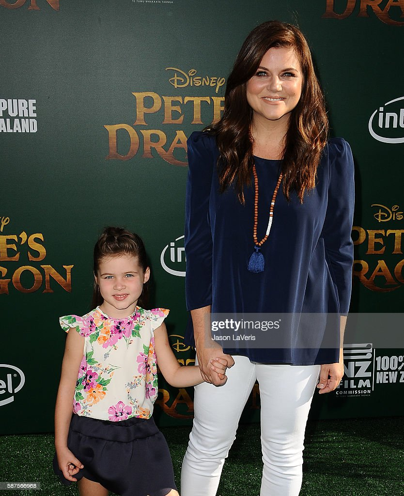 Actress Tiffani Thiessen and daughter Harper Renn Smith attend the premiere of 'Pete's Dragon' at the El Capitan Theatre on August 8 2016 in...