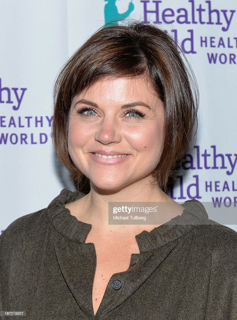 Actress <a gi-track='captionPersonalityLinkClicked' href=/galleries/search?phrase=Tiffani+Thiessen&family=editorial&specificpeople=221649 ng-click='$event.stopPropagation()'>Tiffani Thiessen</a> attends Mom On A Mission's 5th Annual Awards and Gala on November 6, 2013 in Pacific Palisades, California.