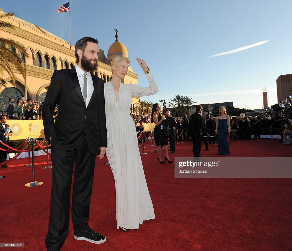 TNT/TBS Broadcasts The 18th Annual Screen Actors Guild Awards - Red Carpet Style