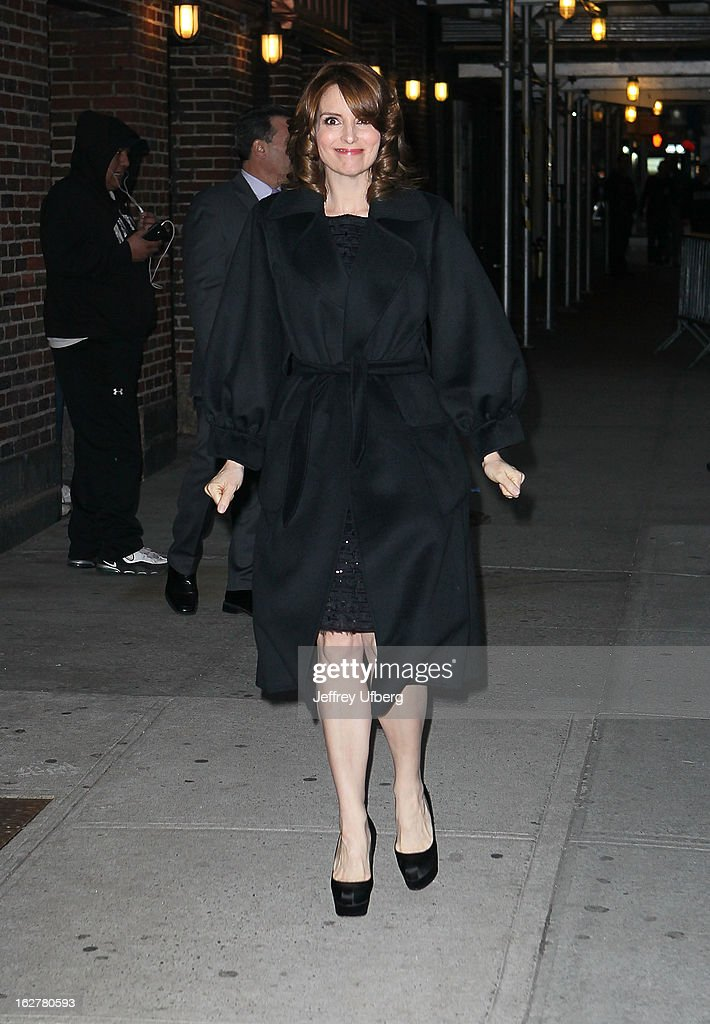 Actress <a gi-track='captionPersonalityLinkClicked' href=/galleries/search?phrase=Tina+Fey&family=editorial&specificpeople=206753 ng-click='$event.stopPropagation()'>Tina Fey</a> arrives to 'Late Show with David Letterman' at Ed Sullivan Theater on February 26, 2013 in New York City.