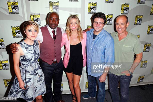 Actress Tina Majorino actor Morris Chestnut actress Ali Larter producer David Wilcox and writer/producer Howard Gordon attend TNT's 'Legends' panel...