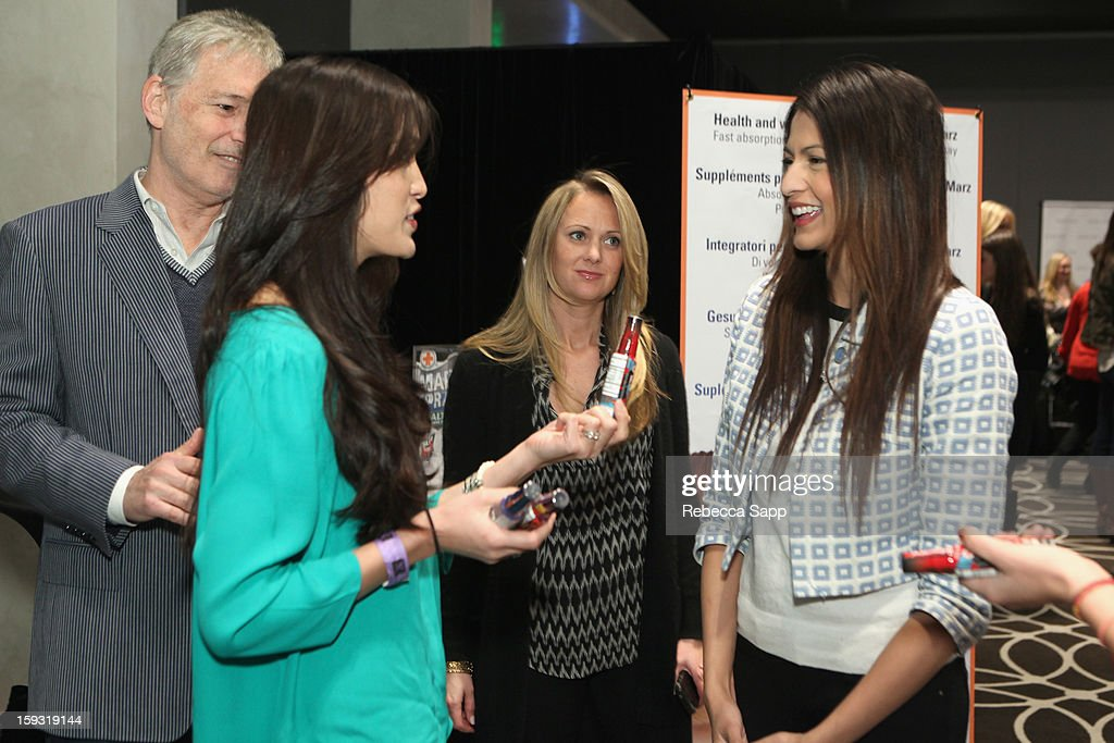 Actress Tinsel Korey (R) attends Kari Feinstein's Pre-Golden Globes Style Lounge at the W Hollywood on January 11, 2013 in Hollywood, California.