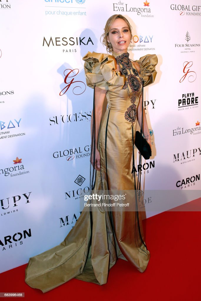 Actress Tonya Kinzinger attends the 'Global Gift, the Eva Foundation' Gala : Photocall at Hotel George V on May 16, 2017 in Paris, France.