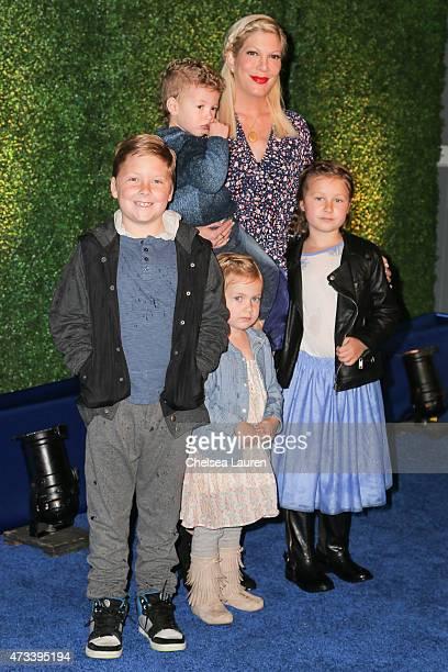 Actress Tori Spelling and her children Liam Aaron McDermott Hattie Margaret McDermott Finn Davey McDermott and Stella Doreen McDermott attend the...