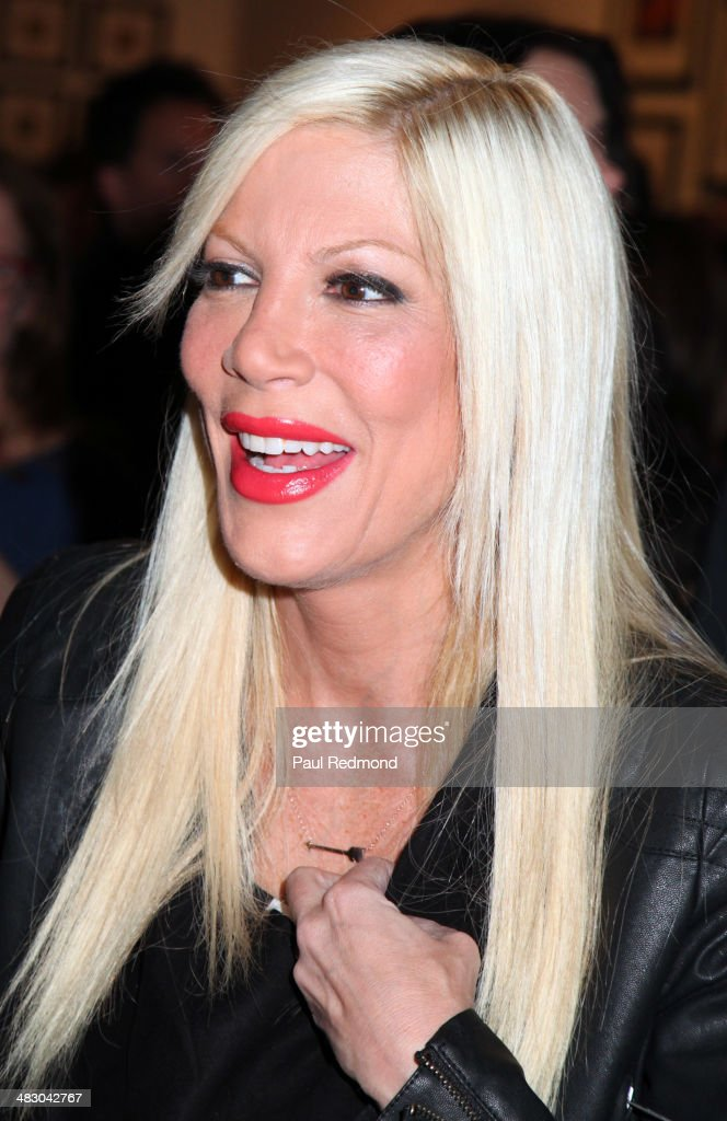 Actress <a gi-track='captionPersonalityLinkClicked' href=/galleries/search?phrase=Tori+Spelling&family=editorial&specificpeople=202560 ng-click='$event.stopPropagation()'>Tori Spelling</a> attends the 'Jennie Garth: Awake' opening night artist reception at Project Gallery on April 5, 2014 in Hollywood, California.