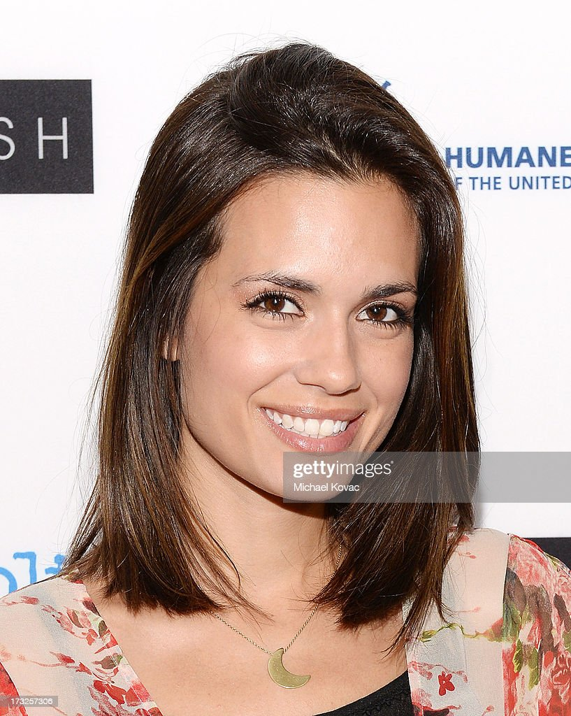 Actress <a gi-track='captionPersonalityLinkClicked' href=/galleries/search?phrase=Torrey+DeVitto&family=editorial&specificpeople=4357676 ng-click='$event.stopPropagation()'>Torrey DeVitto</a> arrives at Magnolia Pictures Los Angeles Premiere of 'Blackfish' at ArcLight Cinemas on July 10, 2013 in Hollywood, California.