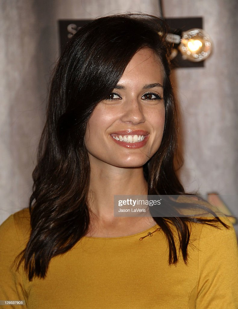 Actress Torrey DeVitto attends Spike TV's 2011 Scream Awards at Gibson Amphitheatre on October 15, 2011 in Universal City, California.