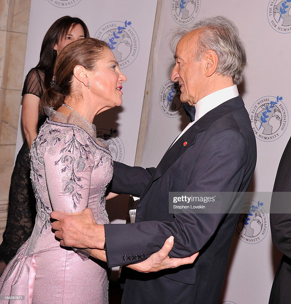 Actress Tova Feldshuh and writer/political activist Elie Wiesel attend the 2012 Arts For Humanity Gala at New York Public Library on October 17, 2012 in New York City.