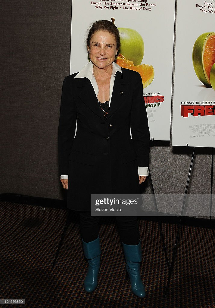 Actress <a gi-track='captionPersonalityLinkClicked' href=/galleries/search?phrase=Tovah+Feldshuh&family=editorial&specificpeople=208758 ng-click='$event.stopPropagation()'>Tovah Feldshuh</a> attends the 'Freakonomics' premiere at Cinema 2 on September 29, 2010 in New York City.