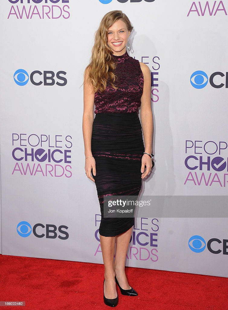 Actress Tracy Spiridakos arrives at the 2013 People's Choice Awards at Nokia Theatre L.A. Live on January 9, 2013 in Los Angeles, California.