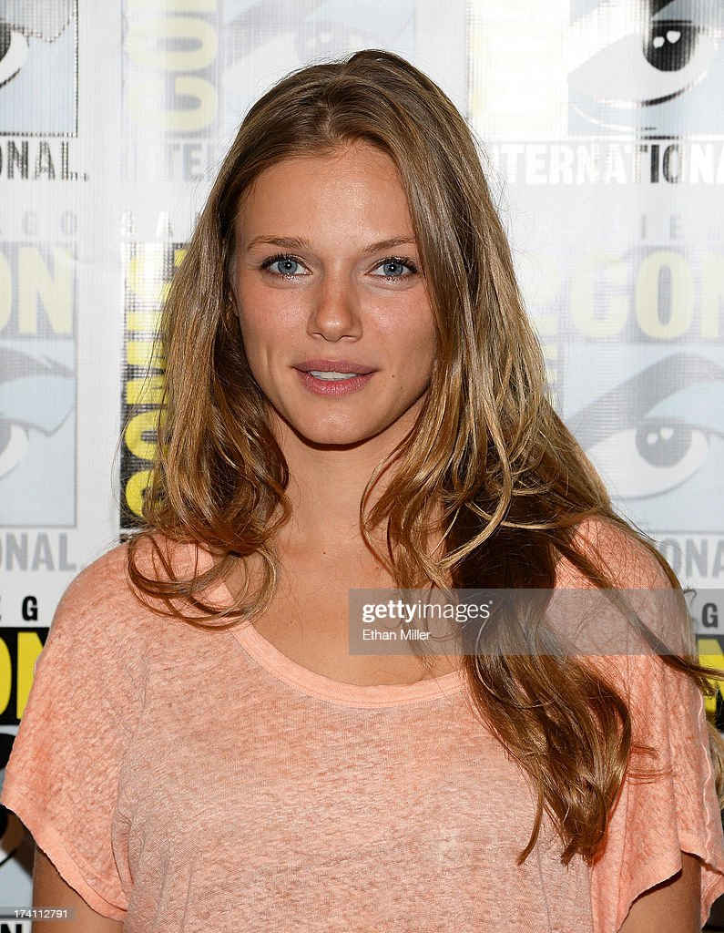 Actress <a gi-track='captionPersonalityLinkClicked' href=/galleries/search?phrase=Tracy+Spiridakos&family=editorial&specificpeople=8954855 ng-click='$event.stopPropagation()'>Tracy Spiridakos</a> attends NBC's 'Revolution' press line during Comic-Con International 2013 at the Hilton San Diego Bayfront Hotel on July 20, 2013 in San Diego, California.