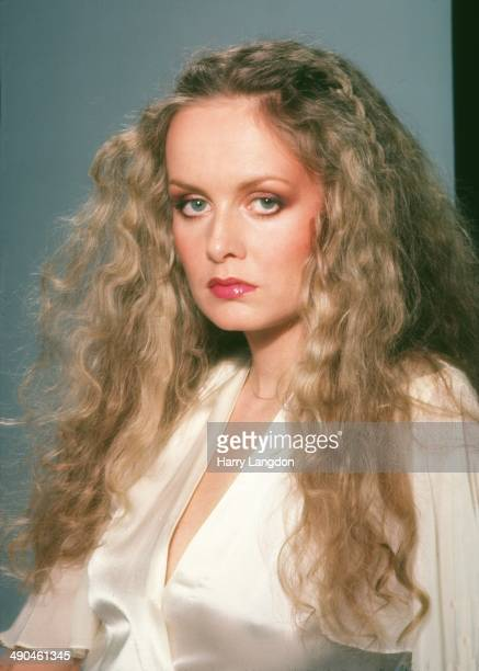 Actress Twiggy poses for a portrait in1979 in Los Angeles California
