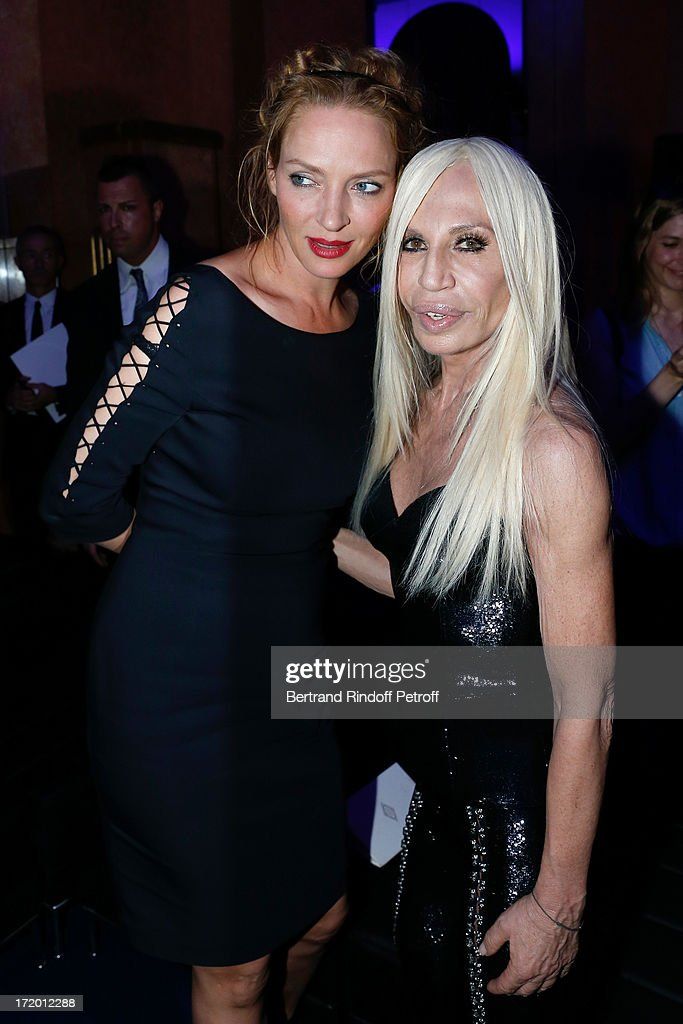 Actress <a gi-track='captionPersonalityLinkClicked' href=/galleries/search?phrase=Uma+Thurman&family=editorial&specificpeople=171973 ng-click='$event.stopPropagation()'>Uma Thurman</a> and Donnatella Versace backstage at Versace show as part of Paris Fashion Week Haute-Couture Fall/Winter 2013-2014 at on June 30, 2013 in Paris, France.