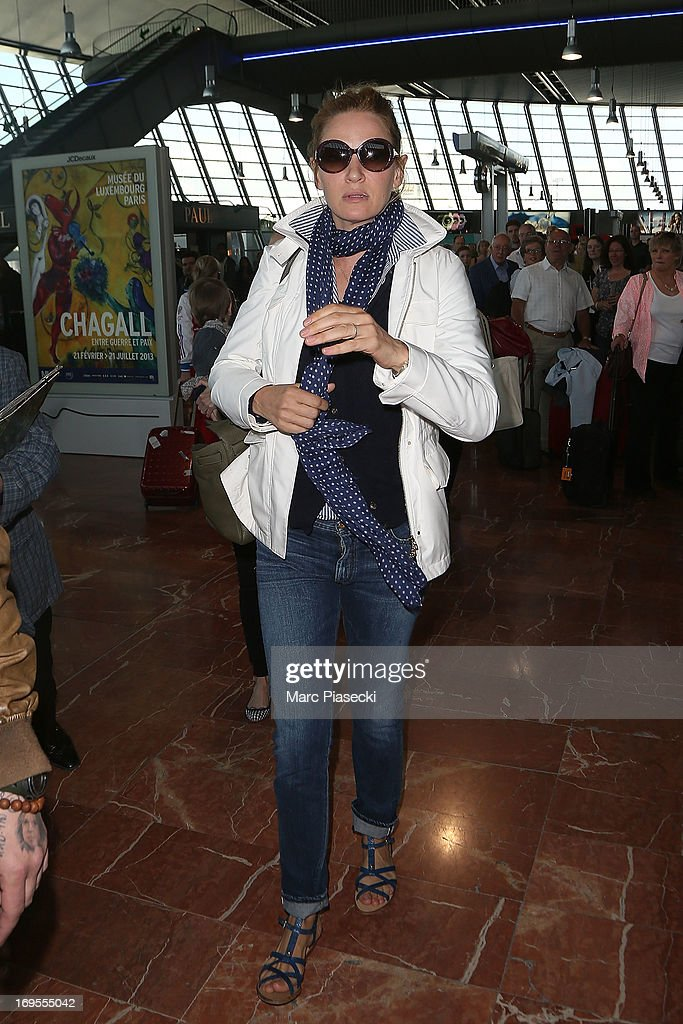 Actress <a gi-track='captionPersonalityLinkClicked' href=/galleries/search?phrase=Uma+Thurman&family=editorial&specificpeople=171973 ng-click='$event.stopPropagation()'>Uma Thurman</a> is sighted at Nice airport after the 66th Annual Cannes Film Festival on May 27, 2013 in Nice, France.