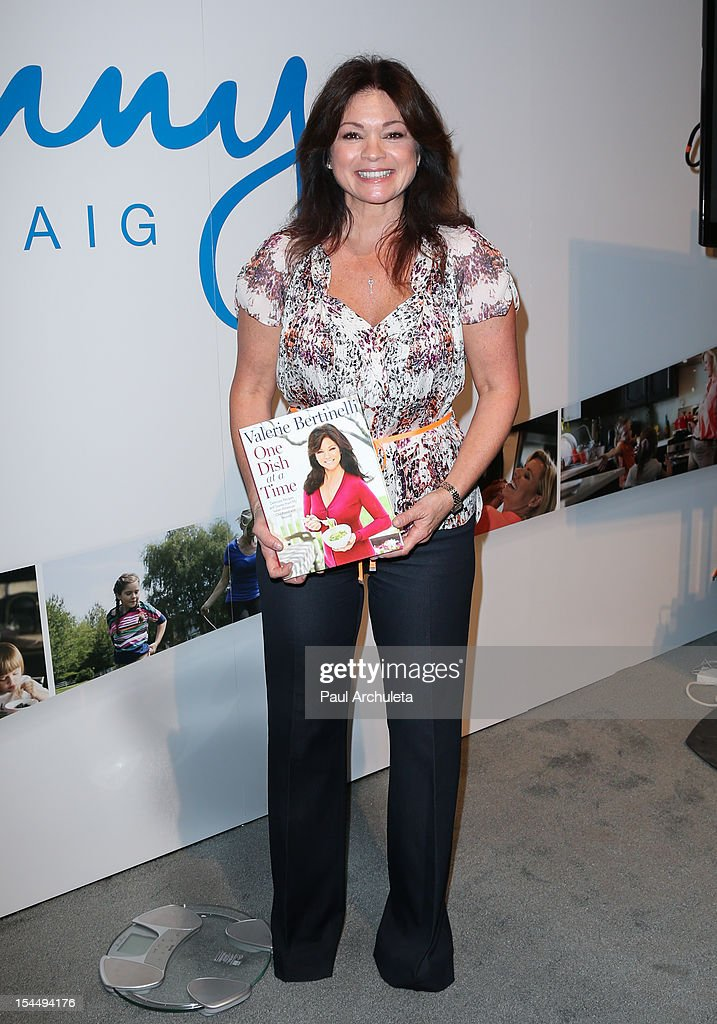 Actress <a gi-track='captionPersonalityLinkClicked' href=/galleries/search?phrase=Valerie+Bertinelli&family=editorial&specificpeople=790177 ng-click='$event.stopPropagation()'>Valerie Bertinelli</a> attends the Oprah Winfrey's O You! 2012 at Los Angeles Convention Center on October 20, 2012 in Los Angeles, California.