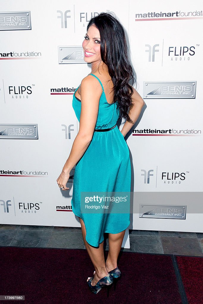 Actress <a gi-track='captionPersonalityLinkClicked' href=/galleries/search?phrase=Valery+Ortiz&family=editorial&specificpeople=642267 ng-click='$event.stopPropagation()'>Valery Ortiz</a> arrives at the Matt Leinart Foundation's 7th Annual 'Celebrity Bowl' at Lucky Strikes on July 18, 2013 in Hollywood, California.