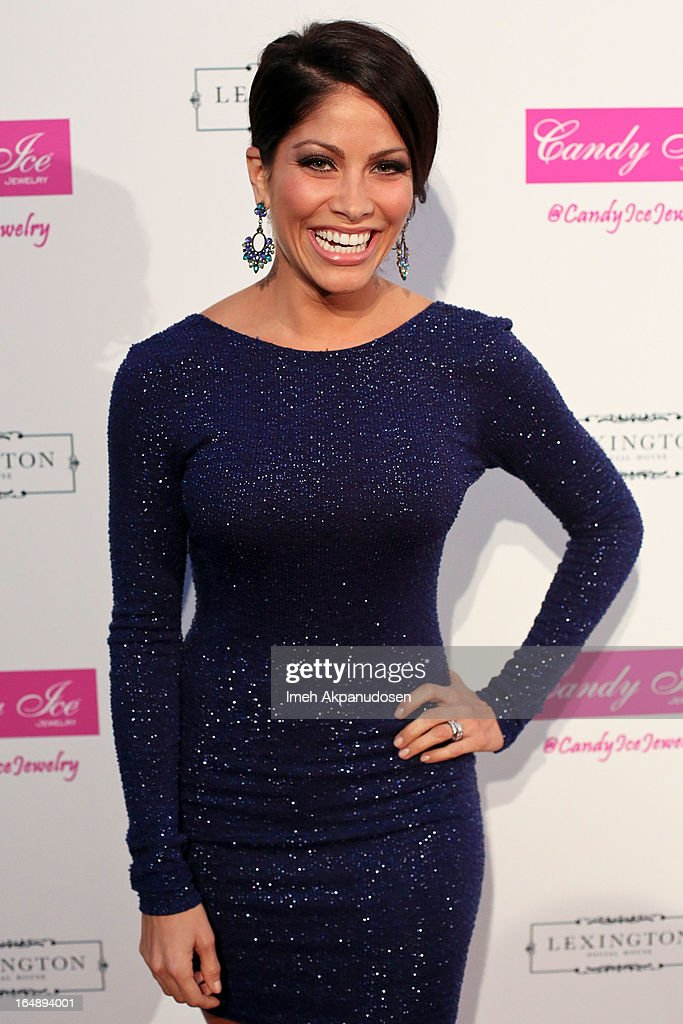 Actress <a gi-track='captionPersonalityLinkClicked' href=/galleries/search?phrase=Valery+Ortiz&family=editorial&specificpeople=642267 ng-click='$event.stopPropagation()'>Valery Ortiz</a> attends the Fire & Ice Gala Benefiting Fresh2o at Lexington Social House on March 28, 2013 in Hollywood, California.