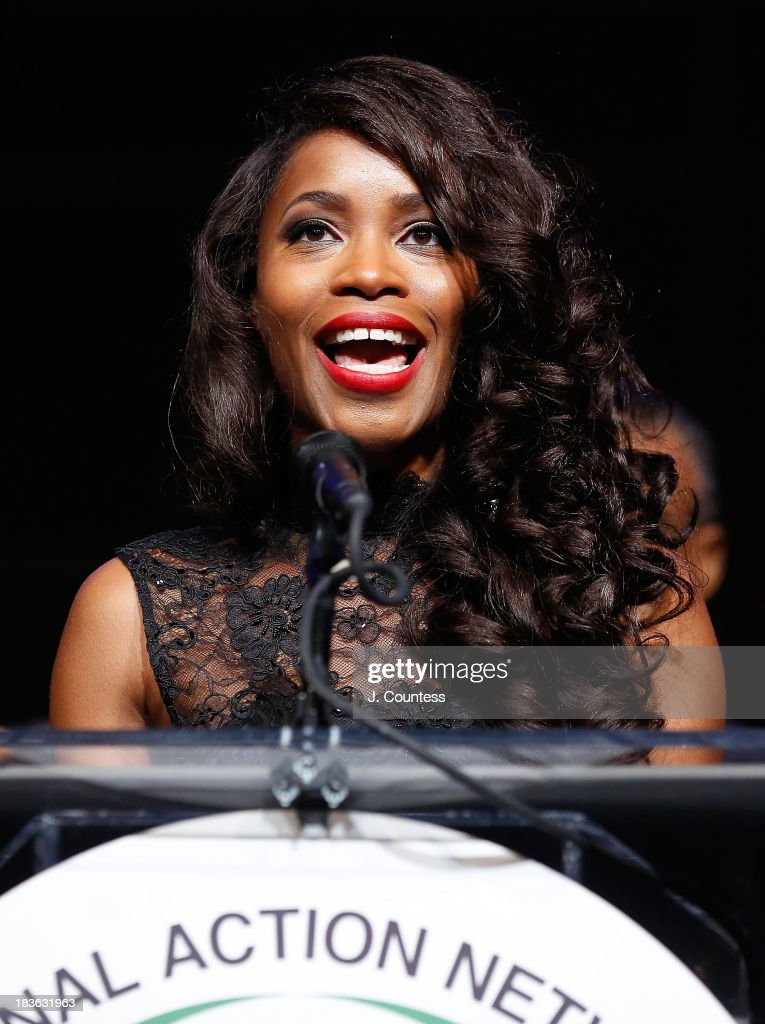 Actress Valisia Lekae speaks after accepting her Triumph Award during The 4th Annual Triumph Awards at Rose Theater, Jazz at Lincoln Center on October 7, 2013 in New York City.