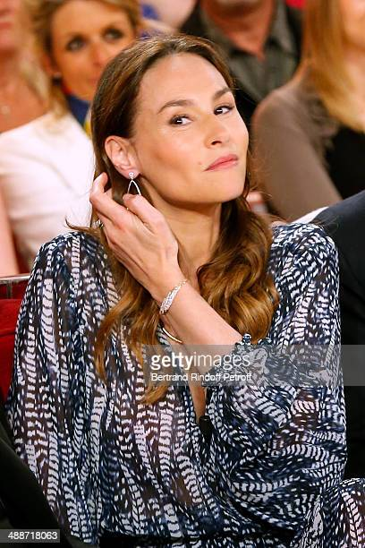 Actress Vanessa Demouy presents the theater play 'L'appel de Londres' at the 'Vivement Dimanche' French TV Show held at Pavillon Gabriel on May 14...