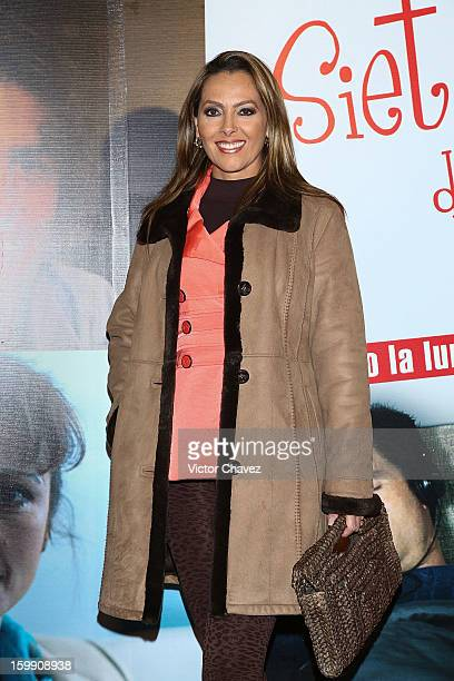 Actress Veronica del Castillo attends the '7 Años de Matrimonio' Mexico City premiere red carpet at Plaza Carso on January 22 2013 in Mexico City...
