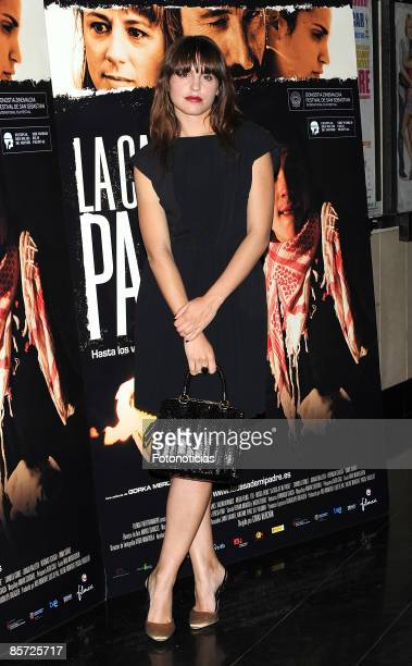 Actress Veronica Echegui arrives at 'La Casa de Mi Padre' premiere held at Palacio de la Musica cinema on March 30 2009 in Madrid Spain
