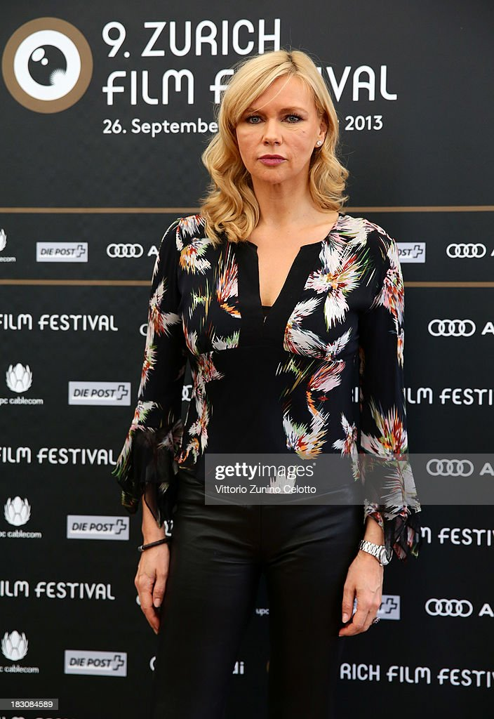 Actress <a gi-track='captionPersonalityLinkClicked' href=/galleries/search?phrase=Veronica+Ferres&family=editorial&specificpeople=207167 ng-click='$event.stopPropagation()'>Veronica Ferres</a>, German Language Feature Film Jury Member, attends the Jury Photocall during the Zurich Film Festival 2013 on October 4, 2013 in Zurich, Switzerland.