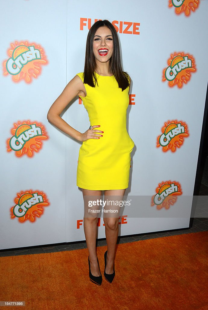 Actress <a gi-track='captionPersonalityLinkClicked' href=/galleries/search?phrase=Victoria+Justice&family=editorial&specificpeople=569887 ng-click='$event.stopPropagation()'>Victoria Justice</a> arrives at the Premiere of Paramount Pictures' 'Fun Size' at Paramount Theater on the Paramount Studios lot on October 25, 2012 in Hollywood, California.
