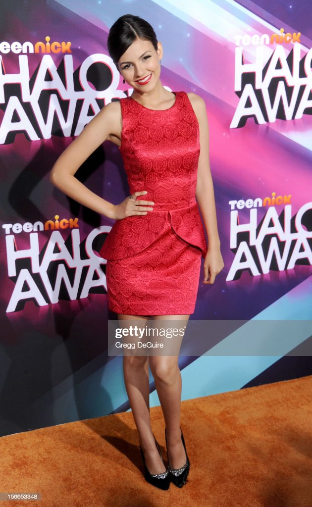 Actress <a gi-track='captionPersonalityLinkClicked' href=/galleries/search?phrase=Victoria+Justice&family=editorial&specificpeople=569887 ng-click='$event.stopPropagation()'>Victoria Justice</a> arrives at the TeenNick HALO Awards at The Hollywood Palladium on November 17, 2012 in Los Angeles, California.