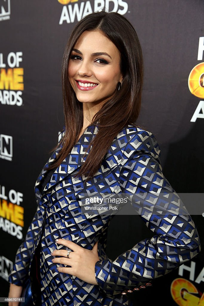 Actress <a gi-track='captionPersonalityLinkClicked' href=/galleries/search?phrase=Victoria+Justice&family=editorial&specificpeople=569887 ng-click='$event.stopPropagation()'>Victoria Justice</a> attends Cartoon Network's fourth annual Hall of Game Awards at Barker Hangar on February 15, 2014 in Santa Monica, California.