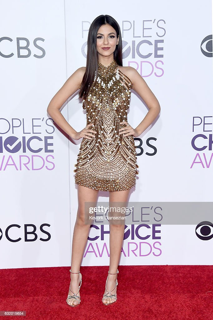 actress-victoria-justice-attends-the-peoples-choice-awards-2017-at-picture-id632015654