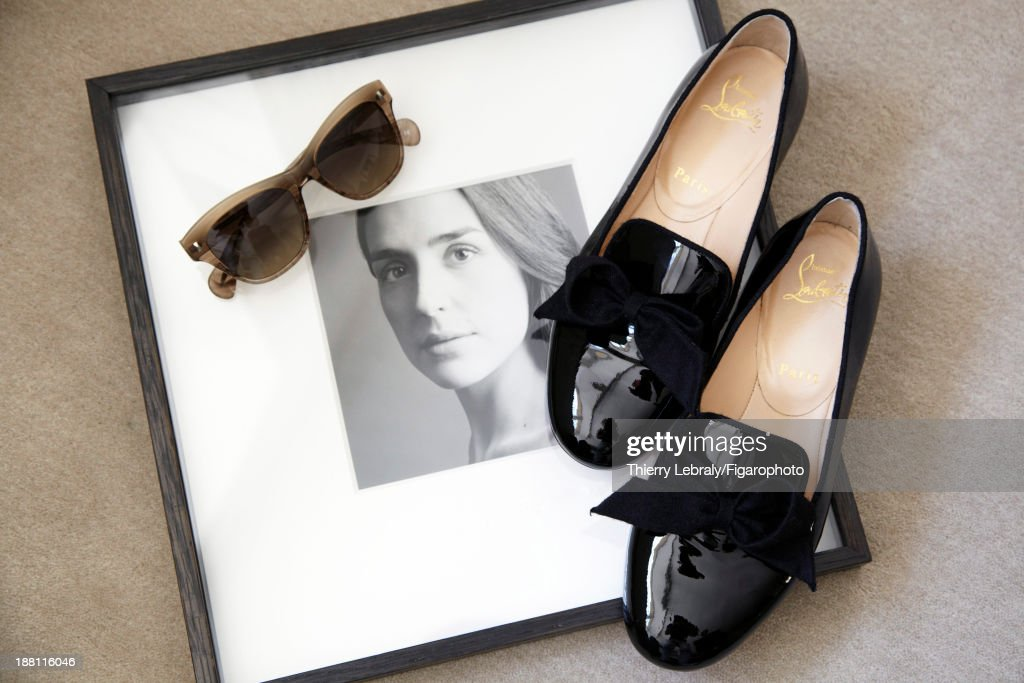 107384-006. Actress Victoria Olloqui's style inspirations are photographed for Madame Figaro on July 7, 2013 in Paris, France. Shoes (Christian Louboutin), sunglasses (Oliver Peoples). PUBLISHED IMAGE.