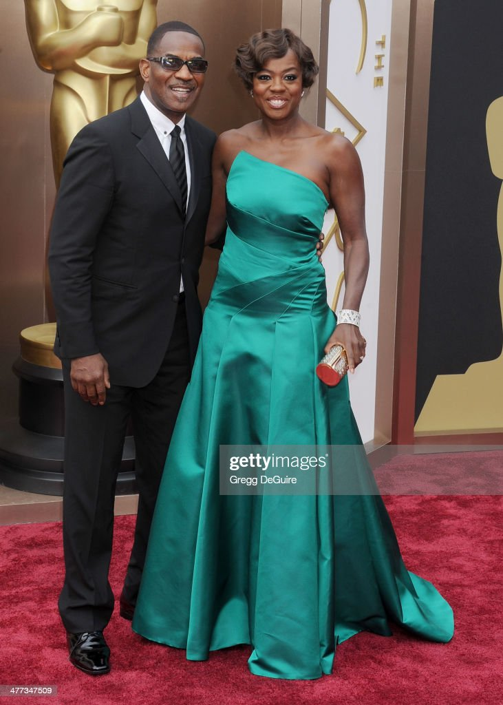 Actress <a gi-track='captionPersonalityLinkClicked' href=/galleries/search?phrase=Viola+Davis&family=editorial&specificpeople=653789 ng-click='$event.stopPropagation()'>Viola Davis</a> and Julius Tennon arrive at the 86th Annual Academy Awards at Hollywood & Highland Center on March 2, 2014 in Hollywood, California.