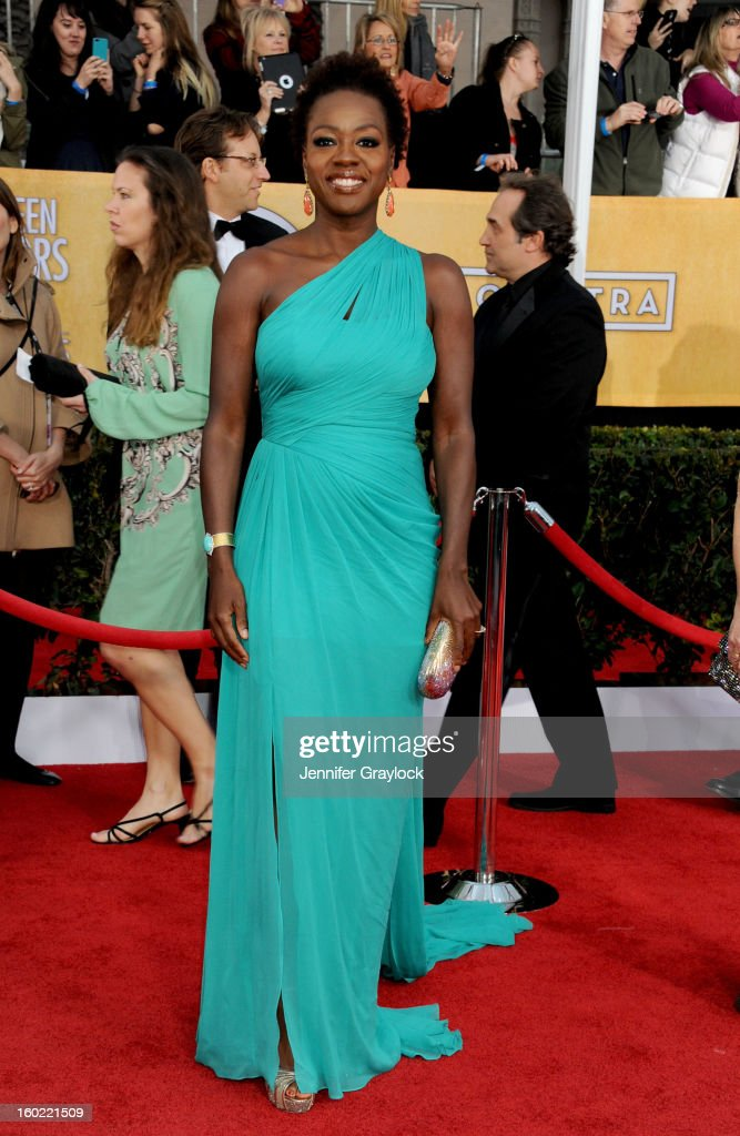 Actress <a gi-track='captionPersonalityLinkClicked' href=/galleries/search?phrase=Viola+Davis&family=editorial&specificpeople=653789 ng-click='$event.stopPropagation()'>Viola Davis</a> arrives at the 19th Annual Screen Actors Guild Awards held at The Shrine Auditorium on January 27, 2013 in Los Angeles, California.