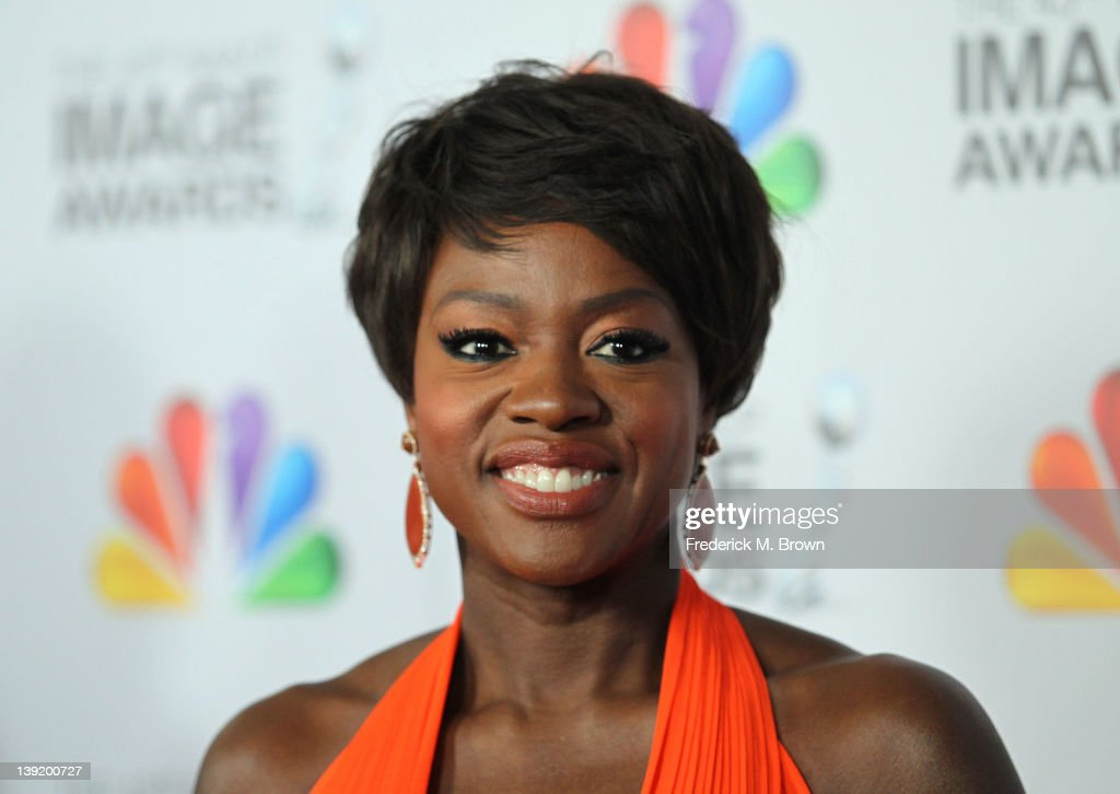 Actress <a gi-track='captionPersonalityLinkClicked' href=/galleries/search?phrase=Viola+Davis&family=editorial&specificpeople=653789 ng-click='$event.stopPropagation()'>Viola Davis</a> arrives at the 43rd NAACP Image Awards held at The Shrine Auditorium on February 17, 2012 in Los Angeles, California.