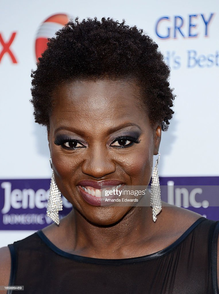 Actress <a gi-track='captionPersonalityLinkClicked' href=/galleries/search?phrase=Viola+Davis&family=editorial&specificpeople=653789 ng-click='$event.stopPropagation()'>Viola Davis</a> arrives at the Jenesse Center's 2013 Silver Rose Gala & Auction at Vibiana on April 6, 2013 in Los Angeles, California.