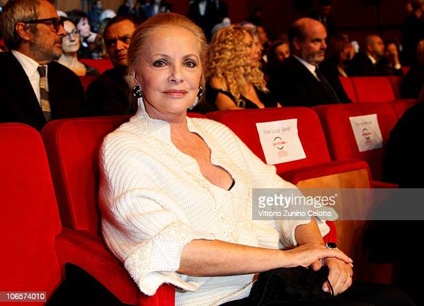 Actress Virna Lisi attends the Closing Awards Ceremony of the 5th International Rome Film Festival at the Auditorium Parco Della Musica on November 5...