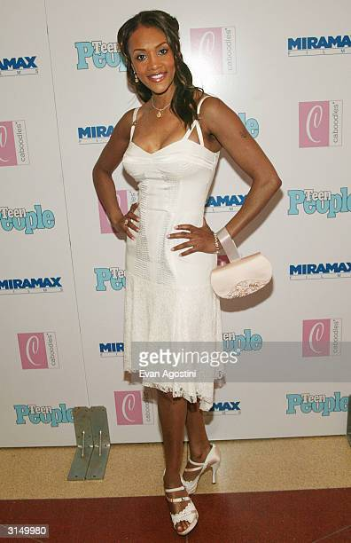 Actress Vivica A Fox attends the 'Ella Enchanted' film premiere at the Clearview Beekman Theatre March 28 2004 in New York City