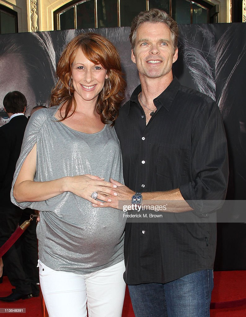 Actress Wendy Braun (L) and actor Joshua Cox attend the Premiere of Paramount Pictures' and Marvel's 'Thor' at the El Capitan Theater on May 2, 2011 in Los Angeles, California.