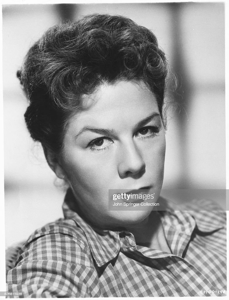 Actress <a gi-track='captionPersonalityLinkClicked' href=/galleries/search?phrase=Wendy+Hiller&family=editorial&specificpeople=224914 ng-click='$event.stopPropagation()'>Wendy Hiller</a>