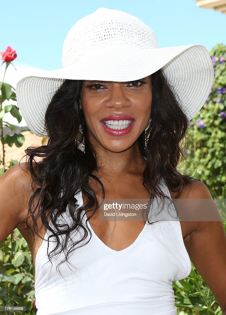 Actress <a gi-track='captionPersonalityLinkClicked' href=/galleries/search?phrase=Wendy+Raquel+Robinson&family=editorial&specificpeople=631178 ng-click='$event.stopPropagation()'>Wendy Raquel Robinson</a> attends the Reed for Hope Foundation's 11th Annual 'Sunshine Beyond Summer' celebration at a private residence on August 31, 2013 in Westlake Village, California.