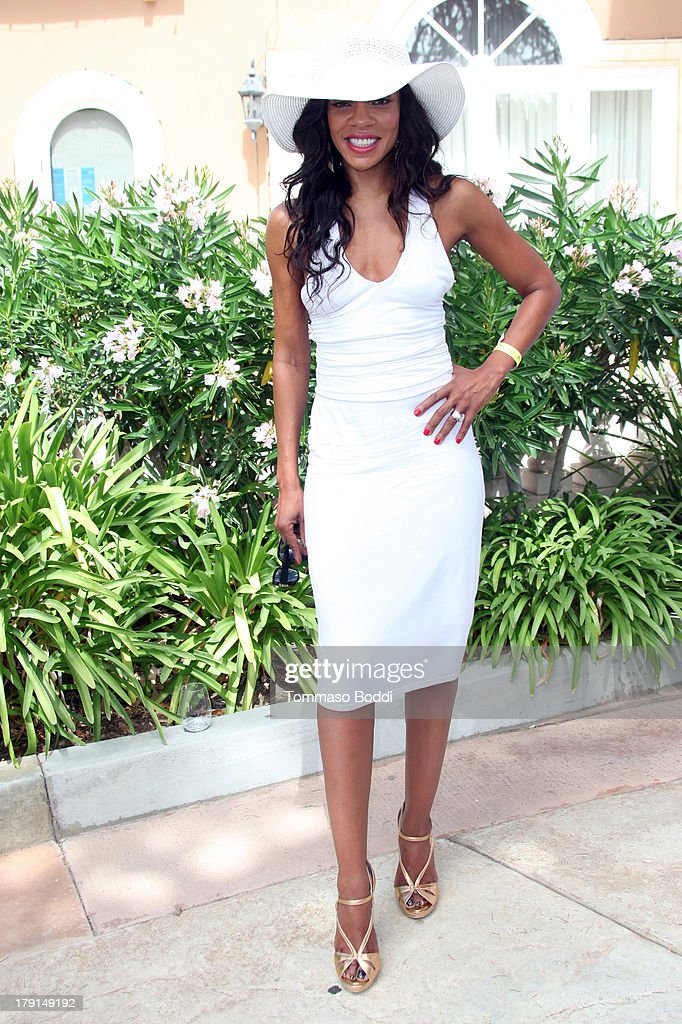 Actress <a gi-track='captionPersonalityLinkClicked' href=/galleries/search?phrase=Wendy+Raquel+Robinson&family=editorial&specificpeople=631178 ng-click='$event.stopPropagation()'>Wendy Raquel Robinson</a> attends the Reed For Hope Foundation's 11th annual 'Sunshine Beyond Summer' celebration on August 31, 2013 in Westlake Village, California.