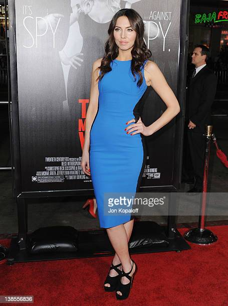 Actress Whitney Cummings arrives at the Los Angeles Premiere 'This Means War' at Grauman's Chinese Theatre on February 8 2012 in Hollywood California