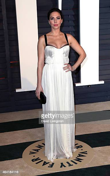 Actress Whitney Cummings attends the 2015 Vanity Fair Oscar Party hosted by Graydon Carter at the Wallis Annenberg Center for the Performing Arts on...