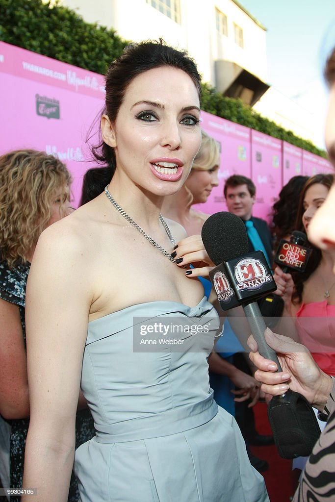 Actress Whitney Cummings wears Simon G Jewelry at the 2010 Hollywood Life Young Hollywood Awards on May 13, 2010 in Los Angeles, California.