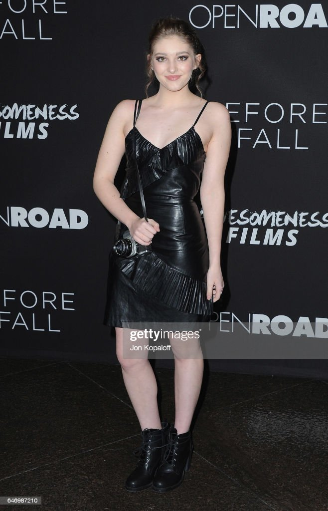 Actress Willow Shields arrives at the Los Angeles premiere 'Before I Fall' at Directors Guild Of America on March 1, 2017 in Los Angeles, California.
