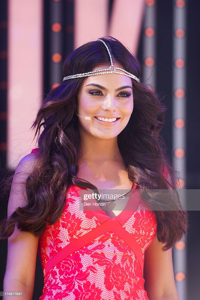Actress Ximena Navarrete attends the premiere of Univision's new ...