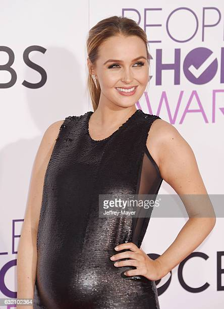 Actress Camilla Luddington attends the People's Choice Awards 2017 at Microsoft Theater on January 18 2017 in Los Angeles CaliforniaLOS ANGELES CA...