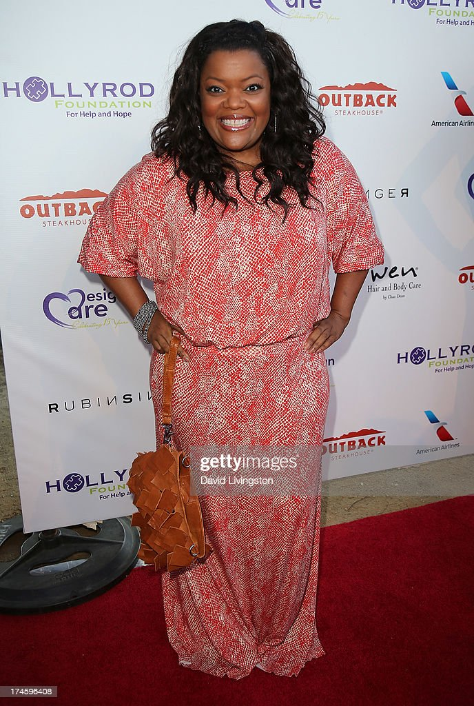 Actress <a gi-track='captionPersonalityLinkClicked' href=/galleries/search?phrase=Yvette+Nicole+Brown&family=editorial&specificpeople=4420097 ng-click='$event.stopPropagation()'>Yvette Nicole Brown</a> attends the 15th Annual DesignCare on July 27, 2013 in Malibu, California.