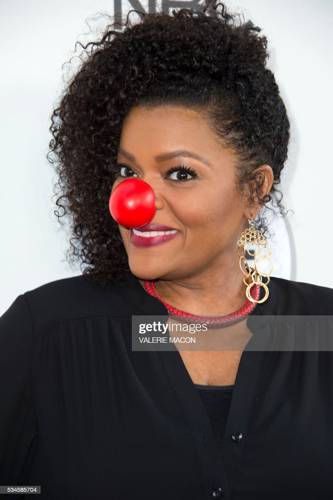 Actress Yvette Nicole Brown attends the 2nd Red Nose Day Special on NBC, in Universal Studios, California, on May 26, 2016. / AFP / VALERIE